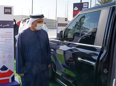 Al Tayer inspecting London Taxi model cab