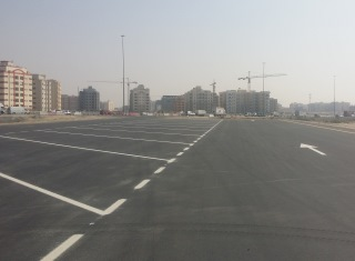 RTA regulates casual parking of trucks in Dubai