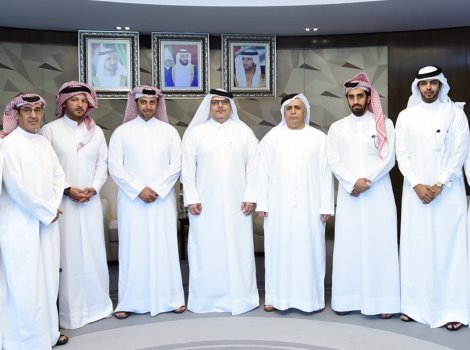 Al Tayer briefs Qatari delegation on RTA's experience in constructing road projects, mass transit systems