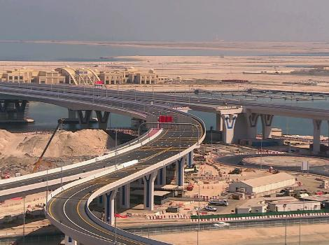 an image of Bridges leading to Deira Islands provide smooth traffic flow