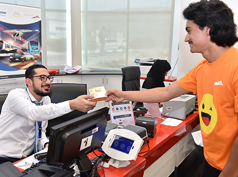 RTA cheers up employees and mass transit users on Happiness Day
